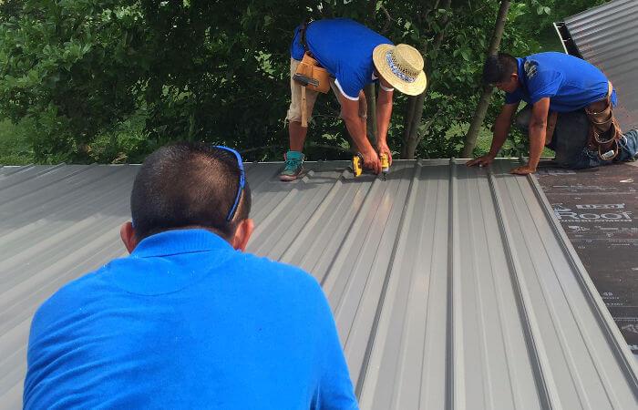 Choosing Between Asphalt Shingles Or Metal Roofing For