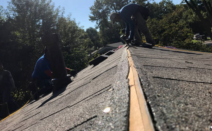 installing shingles on roof 8-25-17