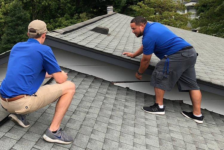 roof-inspectors-inspecting-roof-lexington